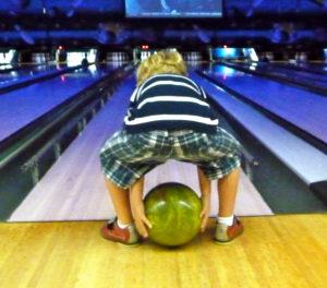 kid-bowling